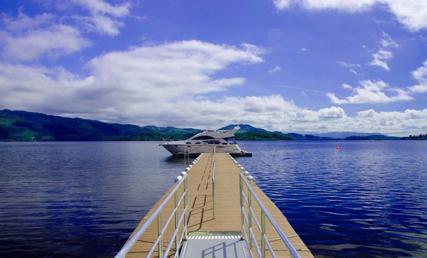 Yacht to hire on loch lomond