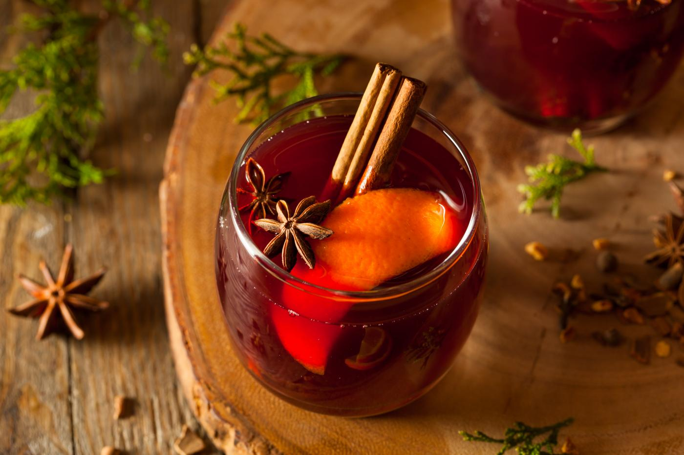 mulled wine with oranges autumn wedding