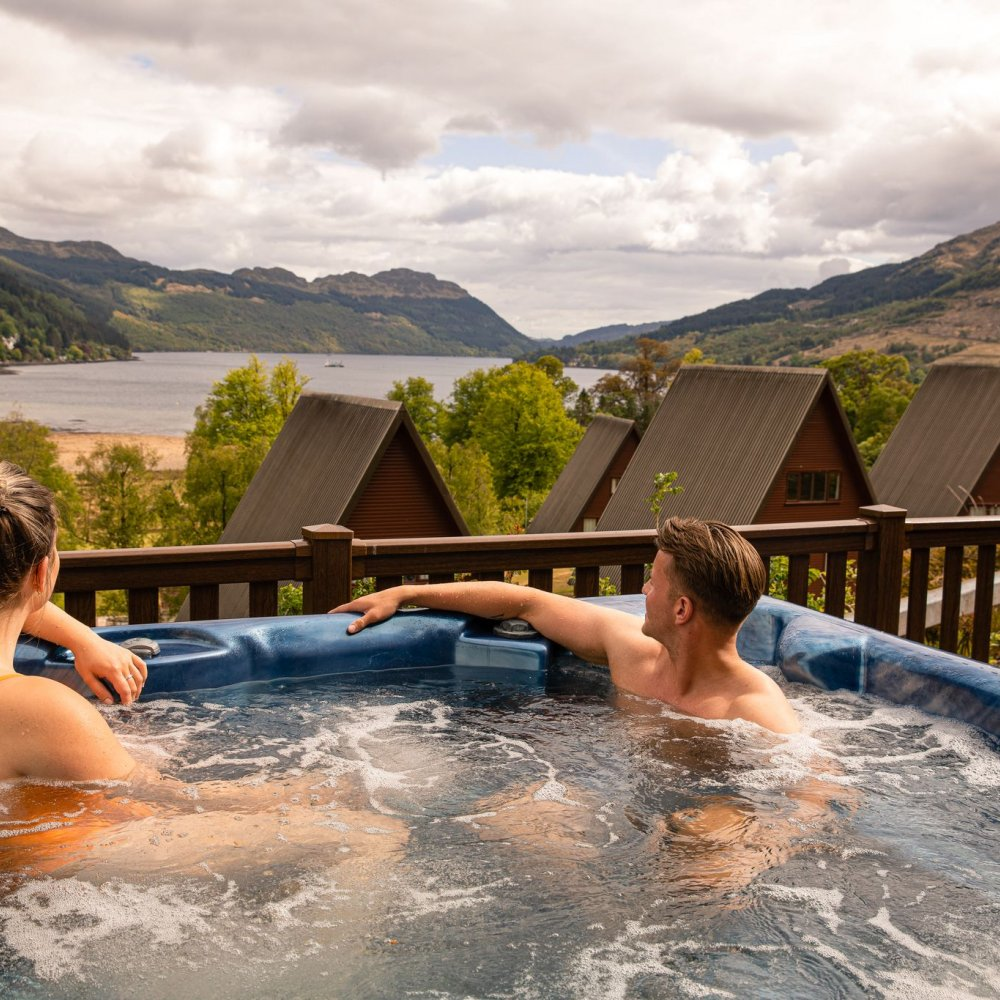 Hot tub lodges Lochgoilhead