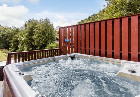 Lapwing Hot Tub Lodges - Hot Tub