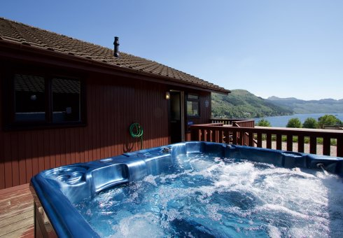 Ptarmigan Hot Tub Lodge