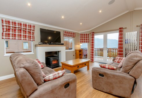 Lomond Royal 2 Bedroom Hot Tub Lodge