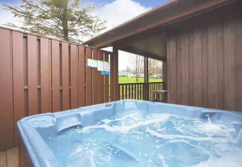 Rowan Hot Tub Lodge