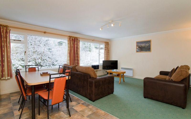 Lapwing Comfort Lodges - Living Room