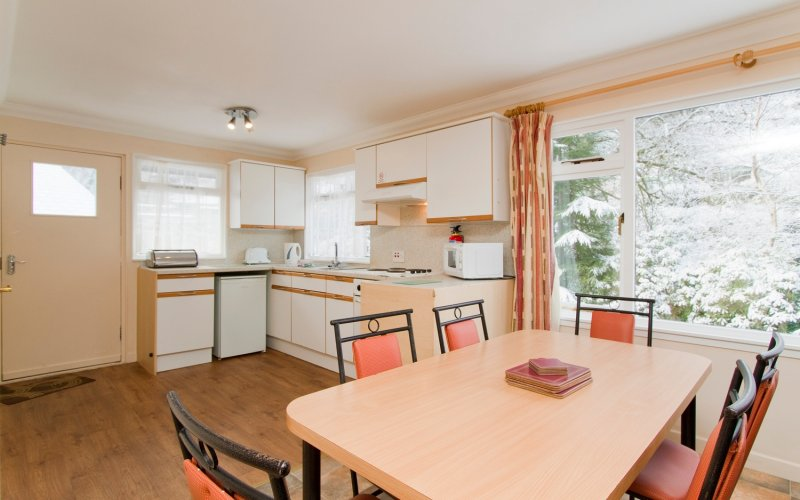 Lapwing Comfort Lodges - Dining Room