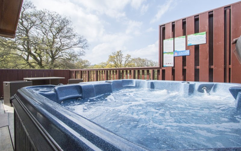 Oak Premier Lodge - Hot Tub