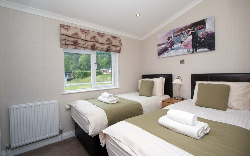 Lomond Royal Waterside 4 Bedroom Hot Tub Lodge - Twin Bedroom