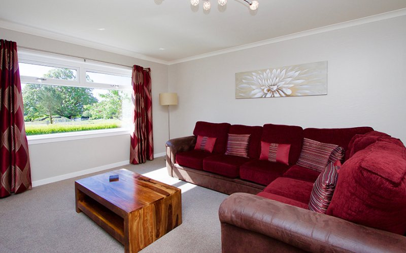 Torr Mhor Hot Tub Bungalow - Living Room