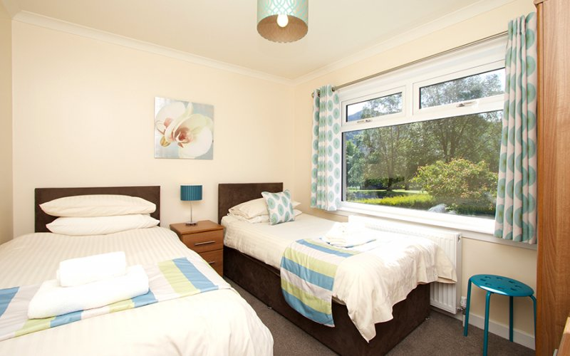 Torr Mhor Hot Tub Bungalow - Twin Room