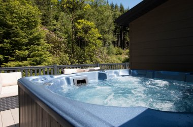 Hot tub at Drimsynie