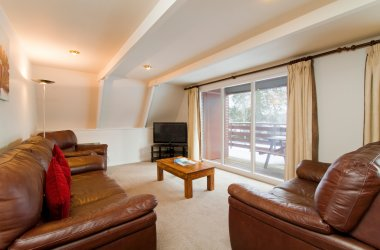 Eagle Comfort Plus Lodges - Living Room