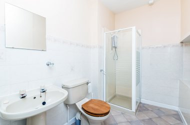 Drimsynie Court 2 - Shower Room