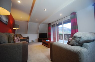 Eagle Hot Tub Lodges - Living Room