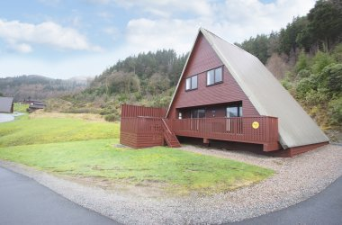 Golden Eagle Premier Hot Tub Lodges